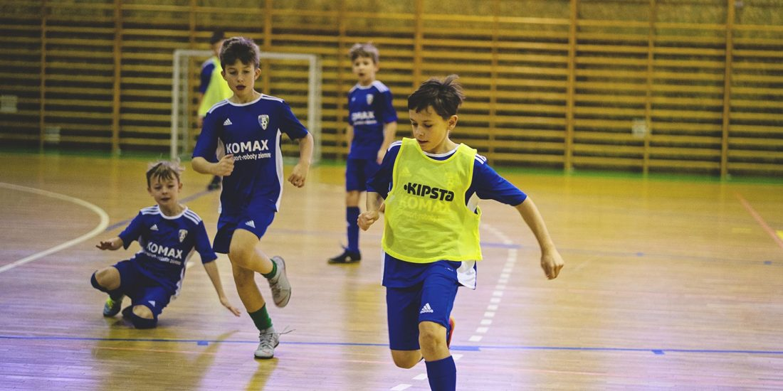 Turniej piłki nożnej i ręcznej dla drużyn dziecięcych w Dobrzeniu Wielkim